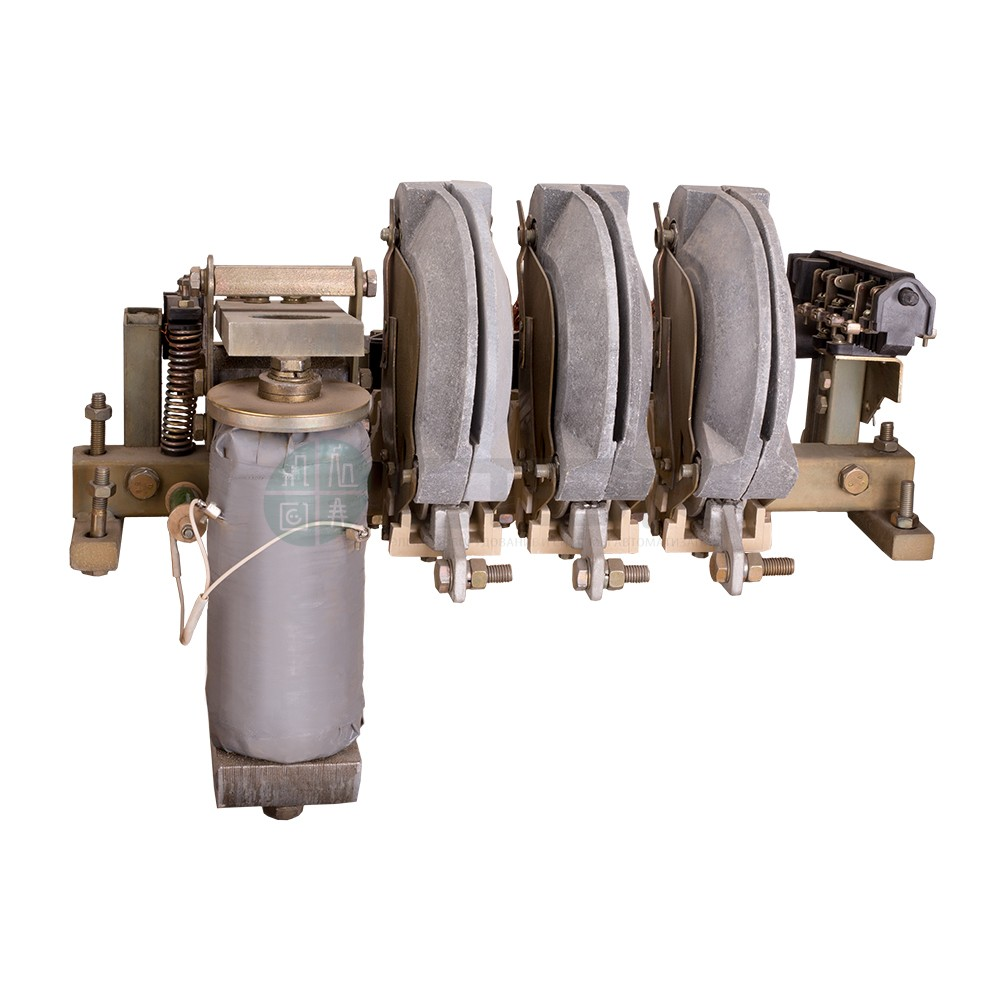 Реализация со склада контакторов КТП-6043Б-400А-220DC-У3